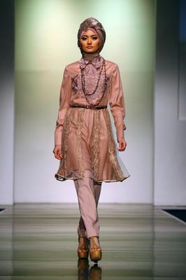 PATRISHIELA - Jakarta Islamic Fashion Week 2013